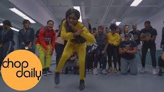 assi-ft-bm-gwara-nao-para-dance-class-video-awa-ayesha-choreography-chop-daily