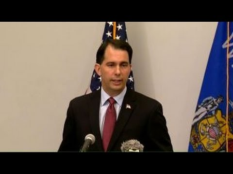 Walker suspends 2016 campaign, urges other to do the same