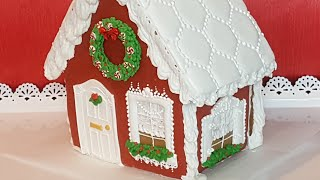 Little Red Gingerbread House (How to) christmas