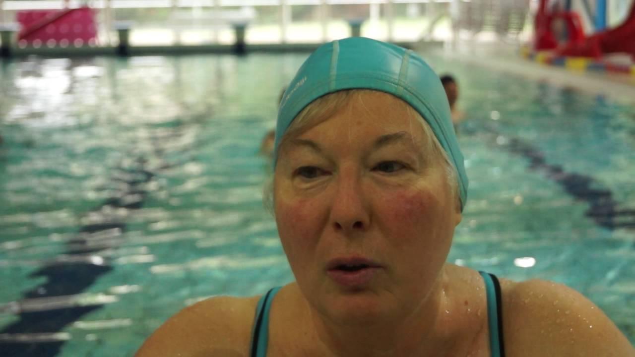La piscine fernand blanluet au pr saint gervais youtube for Piscine st gervais