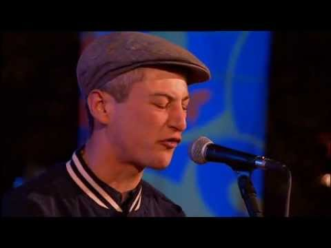 Devlin feat. Olivia Leisk - Runaway - Live at Glastonbury Festival 2011 (BBC2) [HQ Audio]
