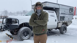 WINTER CAMPING AT -12F IΝ A POP-UP TRUCK CAMPER DURING A WINTER STORM
