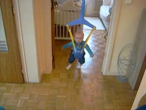Bébé sauteur Jonathan - YouTube