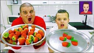 Обычная ЕДА против МАРМЕЛАДА // Челлендж REAL Food vs GUMMY Food // ПАПА против ЯРИКА !!!