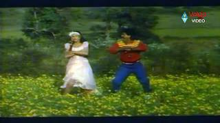 Champion Telugu Movie Songs - Yem Kallo Yemo - Vinod Kumar, Shobana