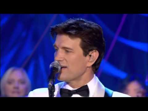 Michael Buble & Chris Isaak - Let it snow