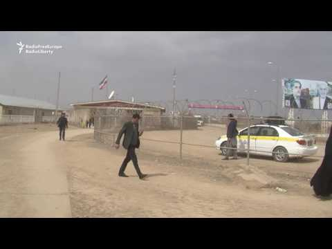 Iran Repatriates Hundreds Of Prisoners to Afghanistan