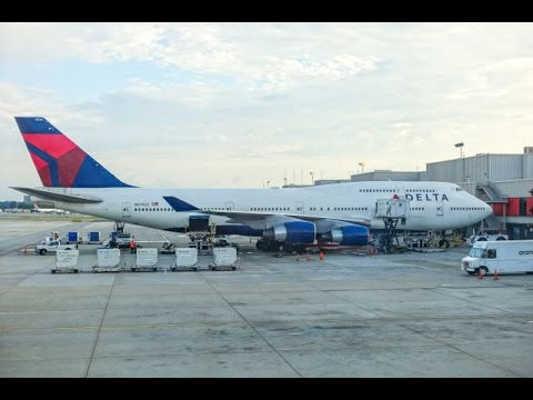 DELTA AIRLINES Boeing 747-451 / Atlanta to Honolulu / First Class / Great engine view and sound !