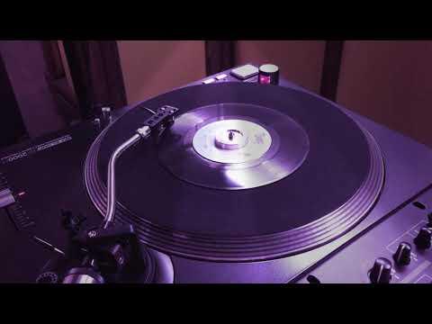 Float Like a Butterfly p. 1 - Instant Funk (7'' Single) TSOP Records, 1975