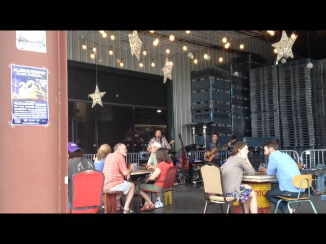 """The Gravelys playing their original """"1995"""" at Oskar Blues Brewery, August 9, 2014"""