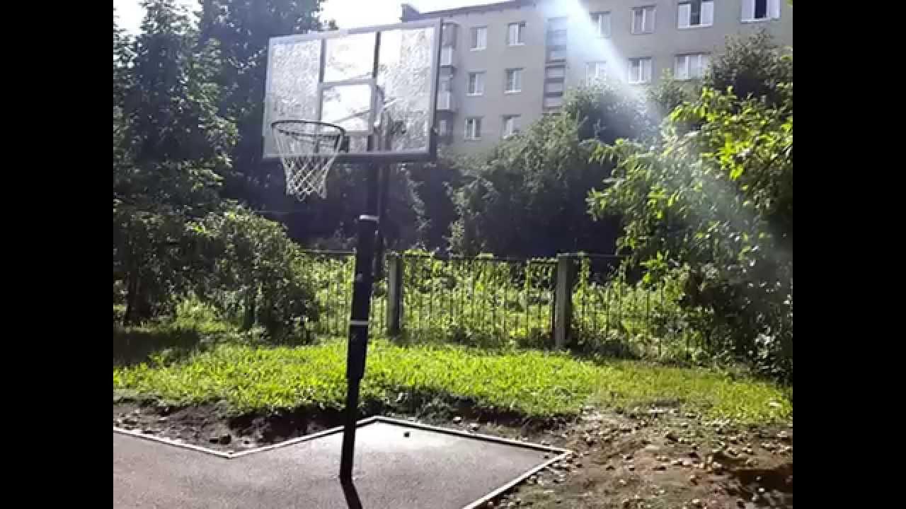 Для этого понадобится лишь мяч и баскетбольное кольцо. Баскетбол очень полезен для здоровья, вед при игре формируется выносливость, быстрота, меткость, координация движения. Приобретя стойку для баскетбола себе домой или на дачу, вы займете себя и своего ребенка на долгие часы полезного.