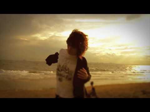 「SUNSET」ミュージックビデオ