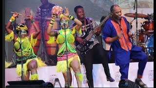 femi kuti entertains french presidentmacron amobode at fela afrikan shrine with dance music more