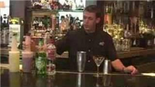 Video Bartending Guide : Red Apple Martini Recipe - Vodka Drinks