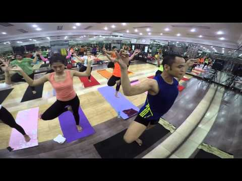 awesome gym indonesia - yoga class with herlambang