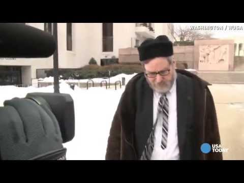 Rabbi pleads guilty after videotaping naked women