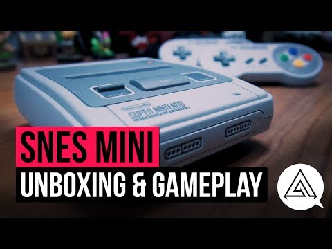 SNES Classic Mini Unboxing, Size Comparison & Gameplay