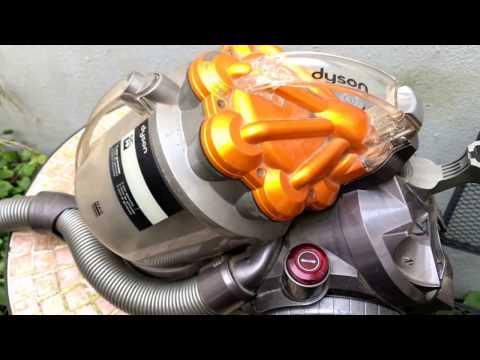 dyson-staubsauger-leeren-dyson-dc19-bodenstaubsauger-staubbehälter-entleeren-anleitung