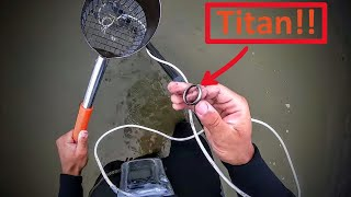 hunting treasures in the lake - treasure hunting with my XP Deus in the water - Ring found!