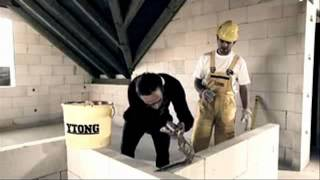 Строительство дома из газобетонных блоков. Часть 2(Блоки из газобетона подлежат любому виду обработки. Они легко штрабятся, фрезеруются, пилятся. В газобетон..., 2011-08-02T12:38:24.000Z)