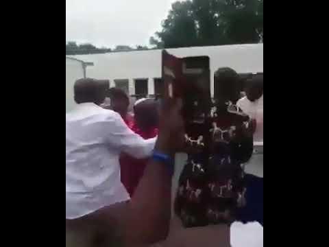 👆🏾👆🏾Le vice président du sénat du Nigeria bastonné
