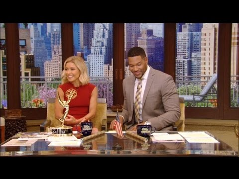 Kelly Ripa and Michael Strahan Skip Daytime Emmys, But Win For Talk Show Host