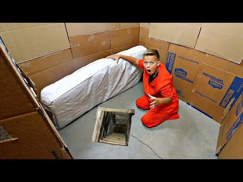 Box Fort ESCAPE! Best of Stephen Yeager