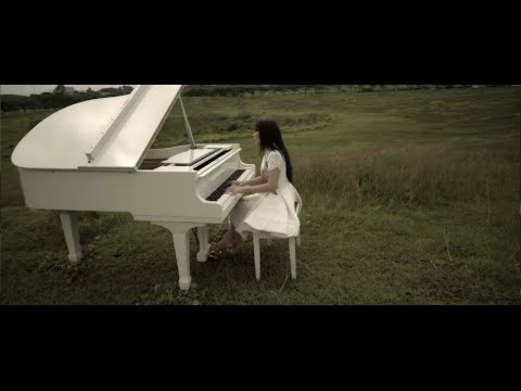 Kunanti KedatanganMu (Official Music Video) - Maria Shandi