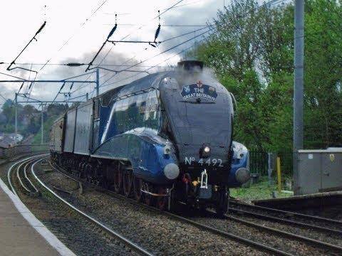 4492 Dominion of New Zealand passes thruogh Durham train station 16.4.11