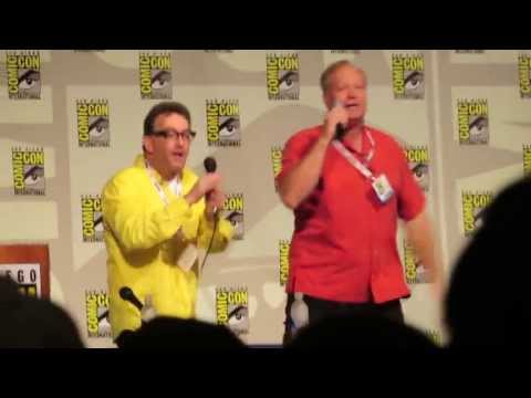 Tom Kenny and Bill Fagerbakke singing the Jellyfishing  at San Diego Comic Con 2013