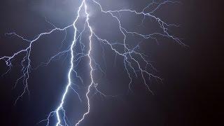 Ураган в Москве 13.07.16. Жуткие молнии!