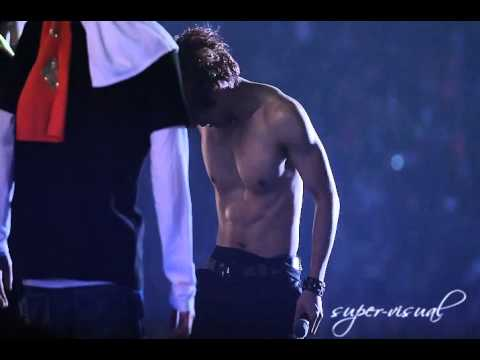 Dongwoon Shirtless [Fancam] 120204 BEAST ...