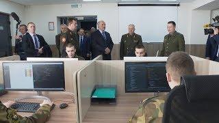 Лукашенко накануне Дня защитников Отечества посетил Военную академию