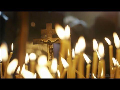 Зачем свечи в храме нужны? Их зажигают и ставят перед иконами.