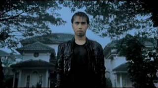 Download Vidi Aldiano - Cemburu Menguras Hati