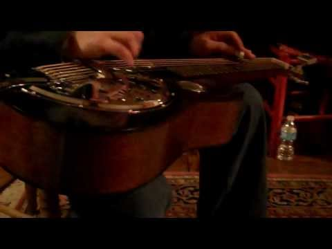 redline-resophonic-guitar-at-authentic-coffee-shop-in-greenbrier,-tennessee