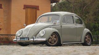 Volkswagen Fusca 1953 customizado com visual Cal Style thumbnail