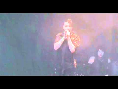 Marilyn Manson Booed Off Stage at Soundwave Sydney 2012 - By Chants of Slipknot Feb 26th 2012