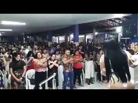 Missionária renalida Carvalho na Atalaia do Deus vivo.