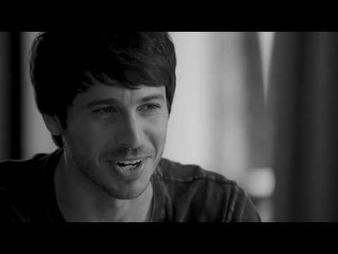 "Morgan Evans - ""Kiss Somebody"" (Acoustic)"