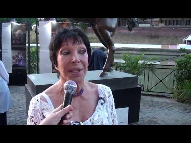 Alba Gonzales Mostra di Scultura a Lungo il Tevere Roma 2015