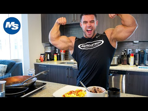 What Bodybuilders Eat For Breakfast | Santi Aragon's 8 Minute Meal