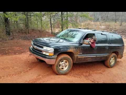 2000 Chevy Suburban 4x4 Mudding Off Road