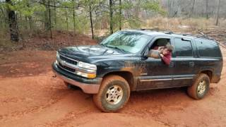 2000 chevy suburban 4x4 mudding off road