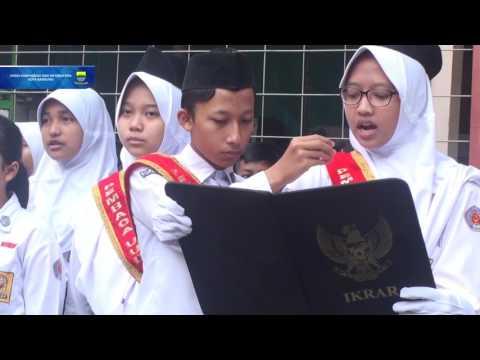 161024 Wakil Walikota Bandung menjadi Pembina Upacara di SMPN 16 Bandung