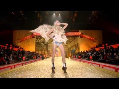 Victoria's Secret Fashion Show 2010 [HD] Part 3/7: Country Girls