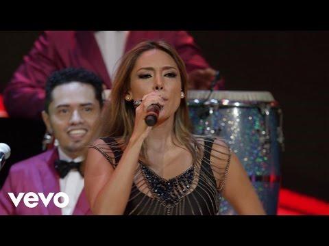 La Sonora Dinamita - A Mover La Colita ft. Marilé