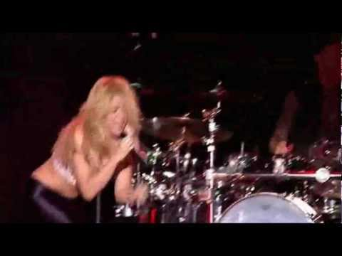 Shakira - Gordita (Live from Paris 2011)