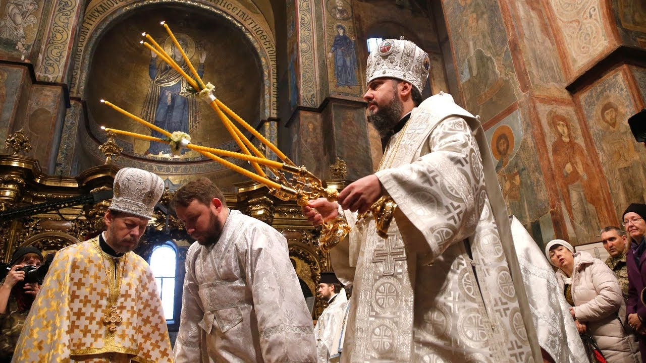 Orthodox Church of Ukraine splits from Russian counterpart