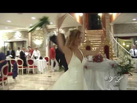 Ingresso Sposi in sala Ristorante Villa Lariano